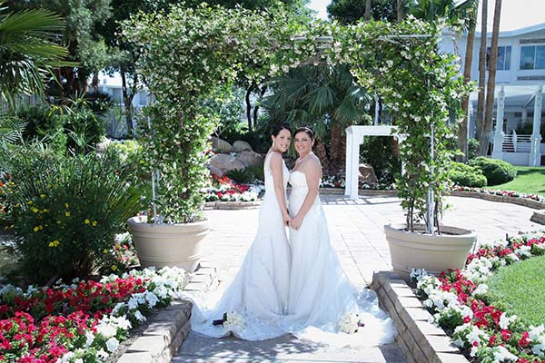 Outdoor wedding locations for las vegas weddings for Gay wedding packages las vegas